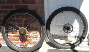 """26"""" Roues / Alloy Wheels + 7speed + Disque + 2Tires & inner tube"""