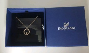 Swarovski Necklace *NEW* (CREATIVITY CIRCLE PENDANT, WHITE, ROSE