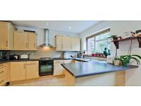 Large 5 bed, 2 bath house in Walthamstow with a large garden and parking LT REF: 3592445