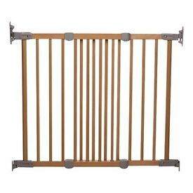 2 BabyDan Wooden Super Flexi Fit Baby Safety Gate