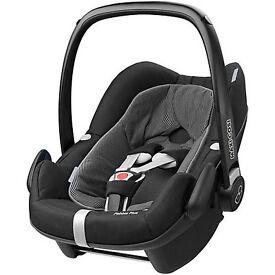 Maxi Cosi - Pebble Plus Car Seat + 2wayfix Iso base 10 months old