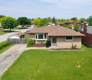 Newly Renovated 3 Bedroom Main Floor in the Desirable North End