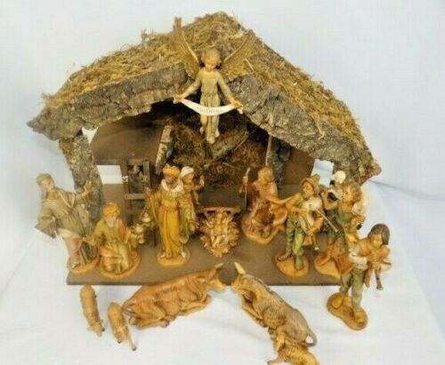 Vintage Fontanini Nativity Set with 16 Figures and Stable Creche Display