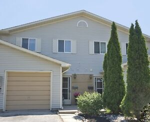 Beamsville - 3 Bedroom Townhouse for Rent