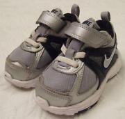 Toddler Boys Nike Shoes Size 9.5