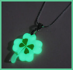 Lucky-Irish-Real-4-Leaf-Clover-Necklace-Glow-in-dark