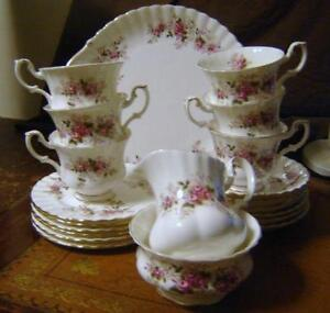 Royal Albert Lavender Rose Tea Set d6e1ea34b9