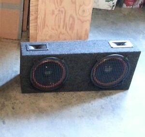 Rear speaker box