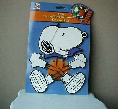 Snoopy Halloween Peanuts Wooden Decorate Pumpkin Display No