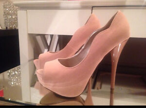 Like new condition size 6.5-7