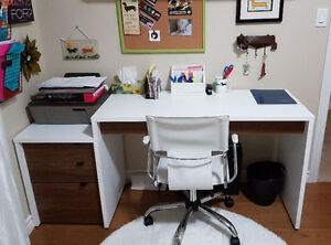 Great computer and writing desk for sale