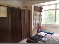 Headington 2 large furnished bedrooms available immediately to a single professionals/student