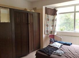 Headington, Furnished double room available now - Single Prof. Mature student - JR/ Brookes