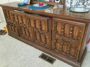 Cheap or Free Sideboard/Cupboard/Console TV or Stereo