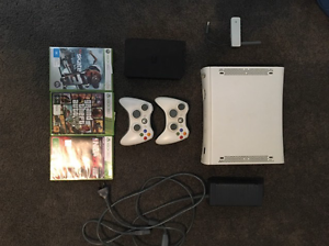 XBOX 360 + 3 GAMES & HARDDRIVE Hackney Norwood Area Preview
