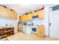 Comfortable 4-Bed Duplex Flat Close to Parks!