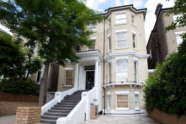 Double size self-contained studio (sleeps 3) Fellows Road NW3