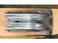 2 crash barrier fishtails - new