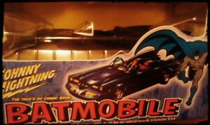 Batmobile Johhny Lightning.