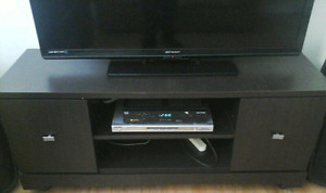 Tv flatscreen entertainment unit