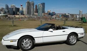 1990 Corvette convertible in excellent condition.