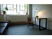 Cosy writing room / office space, 2mn from Dalston Kingsland