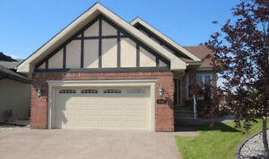 Beautiful Custom Built Bungalow Cameron Heights *Avail Nov 1st*