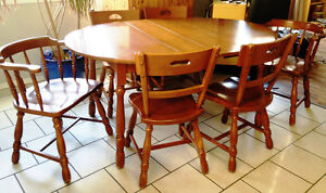 Solid Krug Maple Table and Chairs Set