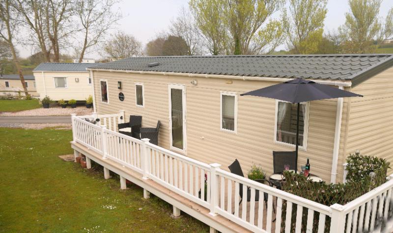Static caravan for sale on caravan park in dawlish warren devon £15500   in  Bournemouth, Dorset   Gumtree