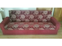 Red Luxorious Vintage Settee/Sofa