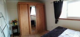 Flat share available in South Queensferry, large bedroom, shared communal areas.