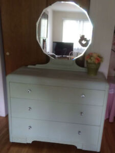 Pretty Vintage Waterfall Dresser with 12 Sided Mirror