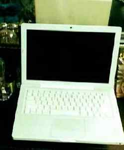 SCORE A MacBook WICKED CHEAP London Ontario image 1