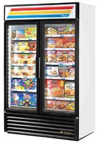 Freezer - TRUE two-door display freezer