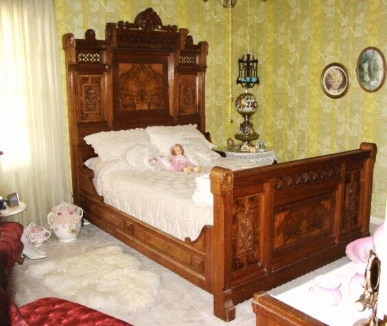 19th Century Victorian Antique Bedroom Set - Gorgeous!