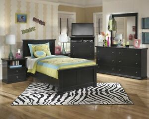 Queen Bedroom furniture in Mississauga