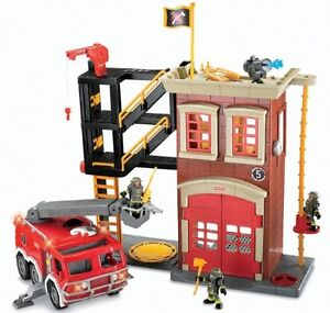 Fire station, fisher price