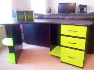 【REDUCED PRICE】Modern Office/Study Desk with a desk lamp