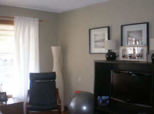 2 Bedroom on the Main Floor close to U of A, Hospital, Whyte Ave