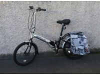 Apollo folding adult bike, 6 gears, special GEL saddle, paniers and kickstand
