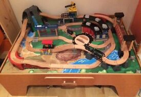 Mountain Rock Wooden Train Table (Toys R Us)