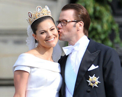 Victoria, Crown Princess of Sweden and Prince Daniel UNSIGNED Photo - K7027