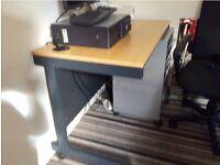 Heavy computer table
