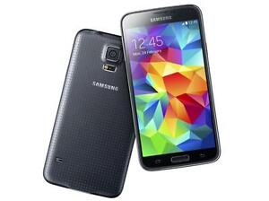 Samsung Galaxy S5 with Otterbox Defender Case