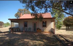10 acres, small cottage large sheds Lockhart Lockhart Area Preview