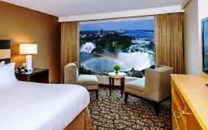 LUXURIOUS HOTEL ROOM NIAGARA FALLS  OCT 13 SATURDAY