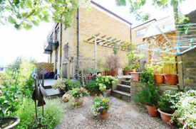 Amazing 2 Bedroom House Gated,Balcony, Parking,Own Garden and Canal View,Stepney Green/Limehouse