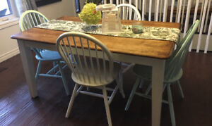 Gorgeous solid oak dining set