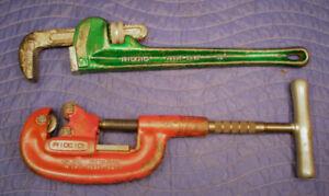 Clé à tuyaux /pipe wrench  18'' ET coupe tuyaux 2'' RIDGID