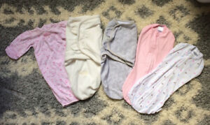 LOT Newborn, 0-3 and small sleep sac's in new condition